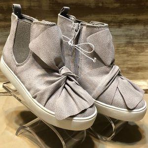 Girl's Cat & Jack Hightop sneakers sz 12 NWOT